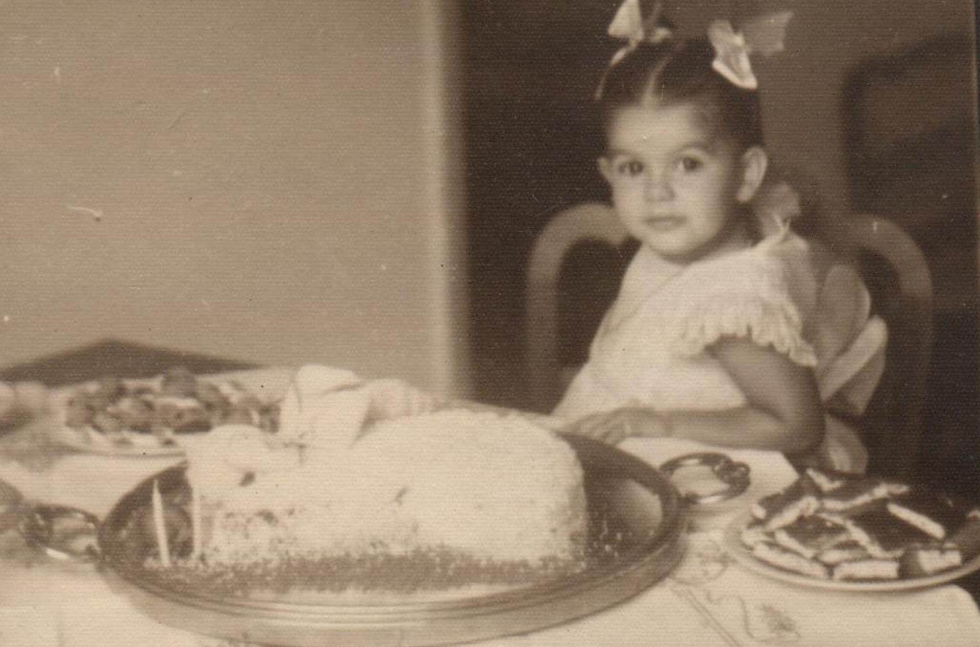 Joana  em1952, no aniversário de 2 anos