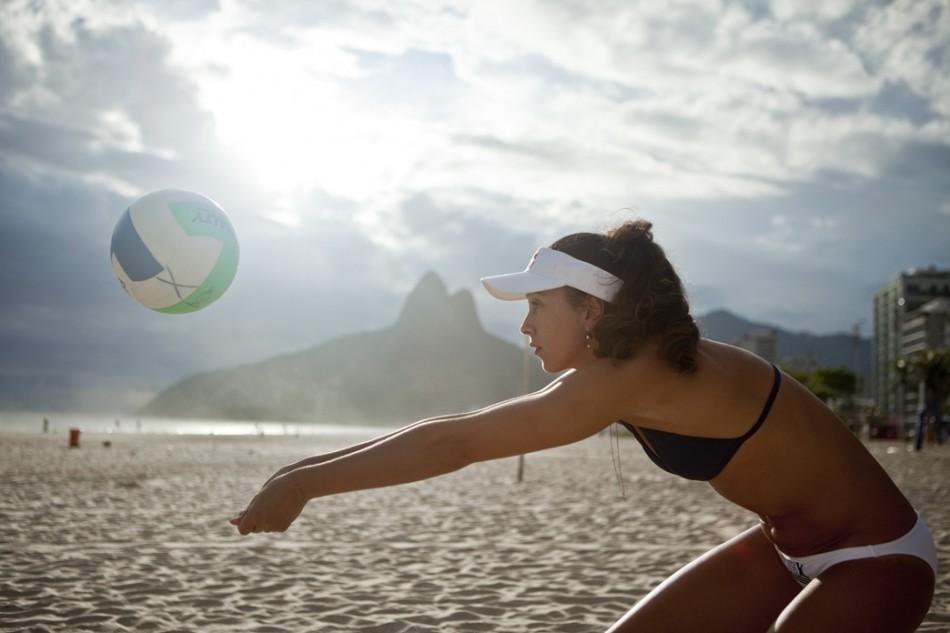 Maria Clara, jogadora de volei de praia