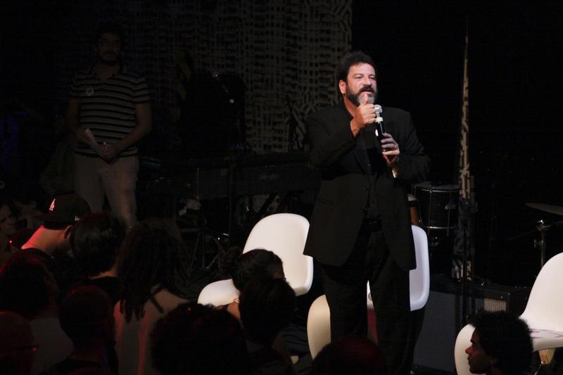 Mario Sérgio Cortella no palco do Studio SP