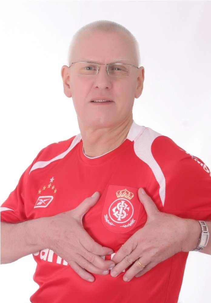 Padre Roque e uma de suas grandes paixões, o Inter