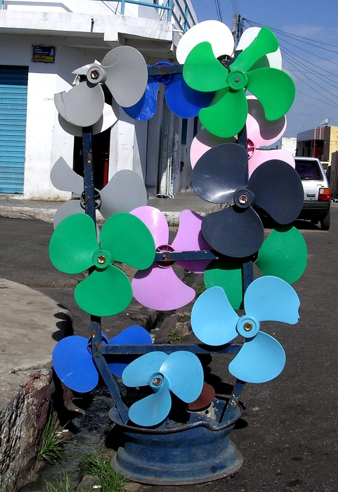 A venda de mercadorias nas ruas de Juazeiro do Norte, CE
