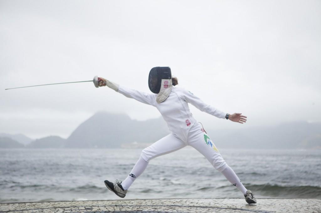 A atleta Sarah Menezes, da esgrima