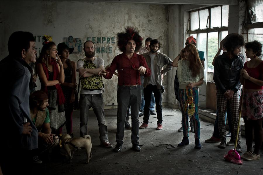 Luciano Corta Ruas na primeira reunião com o grupo após a ocupação