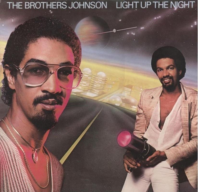 The Brothers Johnson - Light Up The Night: os irmãos George e Louis Johnson eram uma dupla implacável de baixo e guitarra da era de ouro do funk. Em 1980, eles quebraram a banca com esse disco, que foi produzido por Quincy Jones e que tem na capa uma transformação de pênis em canhão de luz