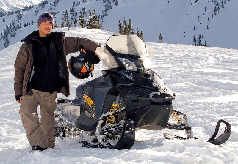 Eric e seu snowmobil