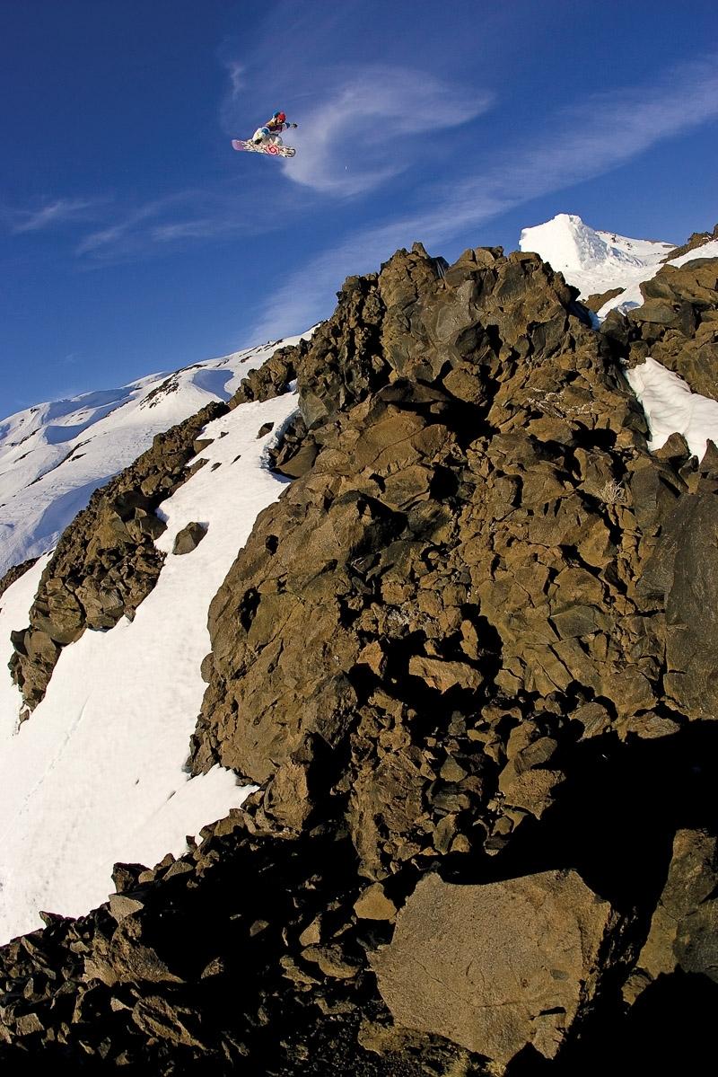 O também francês Sylvain Bourbousson penhasco abaixo em Chillan, no Chile