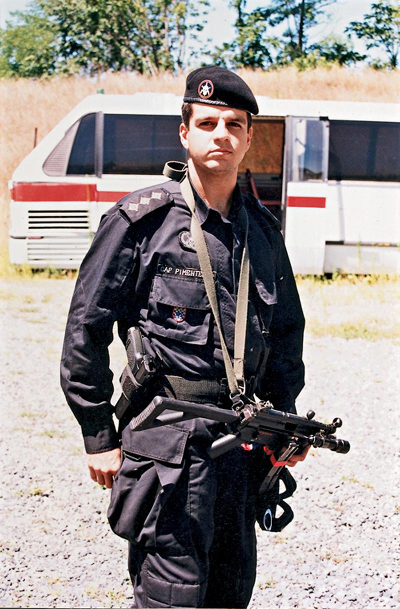Pimentel m Virgínia, Estados Unidos, durante curso na Swat em 1996
