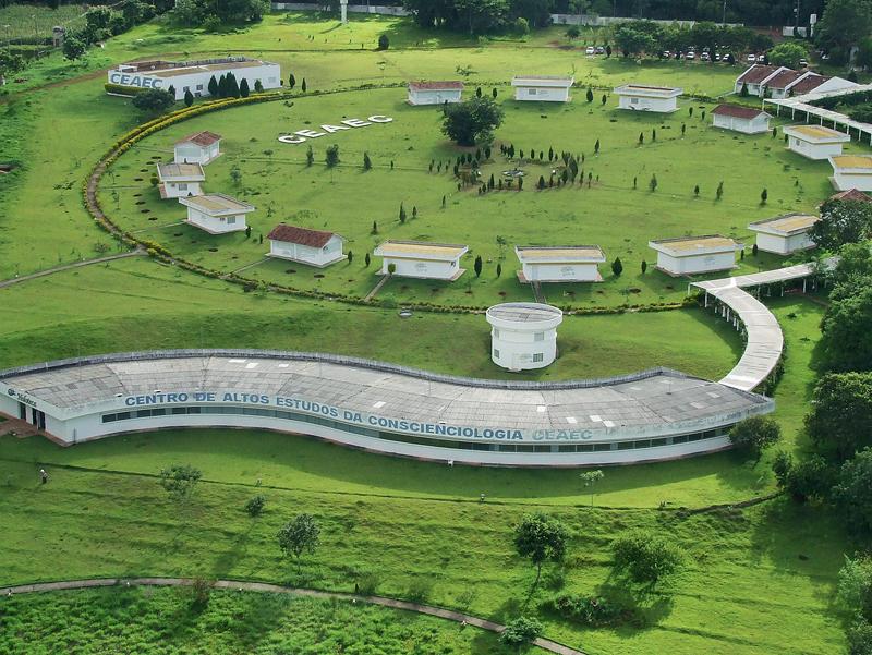Vista do Ceaec, o Centro para Altos Estudos da Conscienciologia, o coração de Cognópolis