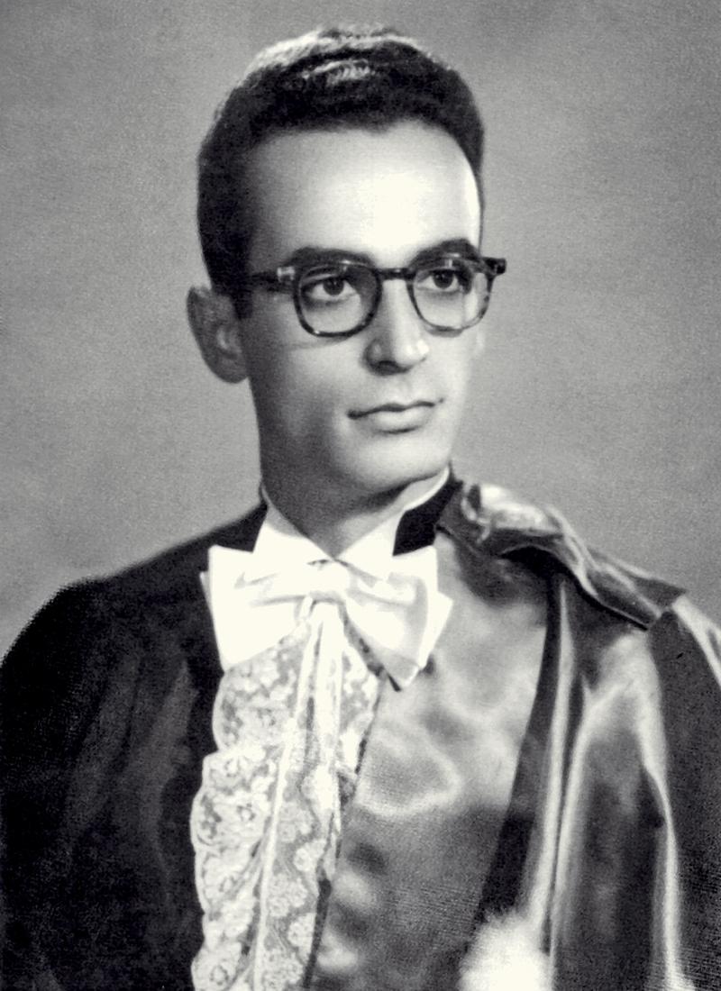O recém-formado dentista Waldo, há mais de 50 anos