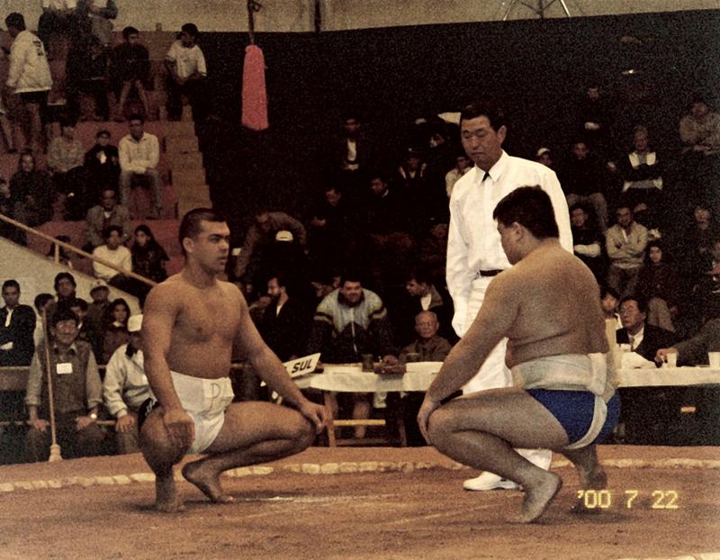 Campeonato Brasileiro de Sumô, em Tupã (SP), em 2001: Lyoto foi vice-campeão