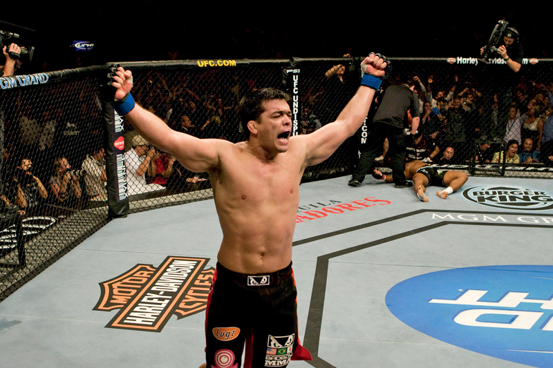 Em 23 de maio de 2009, em Las Vegas, quando o americano Rashad Evans desabou na lona e deixou o título com o paraense