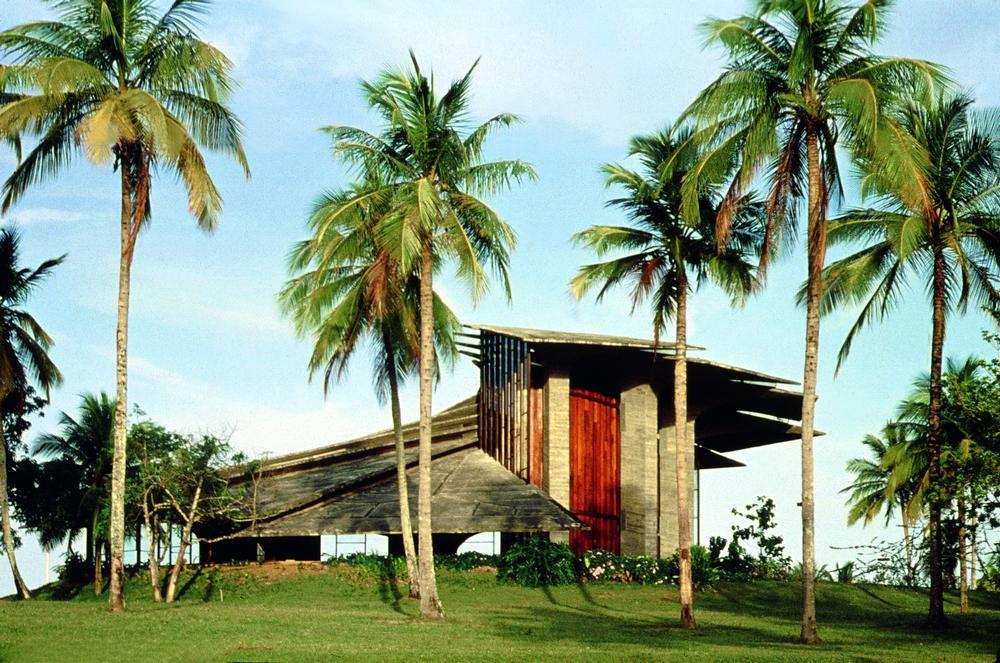 Um de seus projetos, a igreja do Centro Administrativo da Bahia