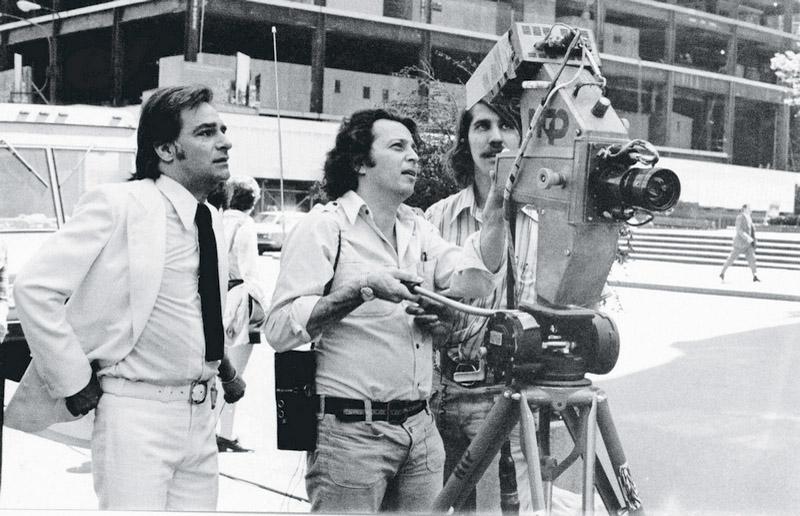 Com Herval Rossano (à esq.), Daniel Filho dirige cena de Carinhoso, que Lauro Cesar Muniz escreveu especialmente para Regina Duarte, em 1973