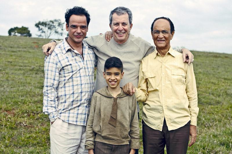 Com Ângelo Antônio, Matheus Costa e Nelson Xavier, que vivem Chico Xavier em diferentes fases do novo filme do cineasta