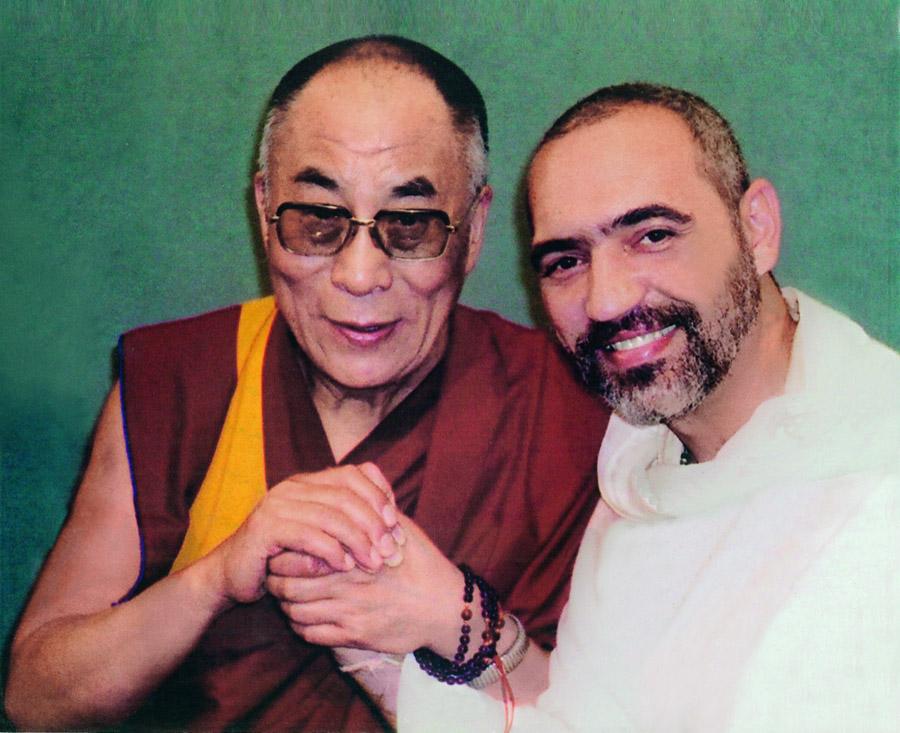 Dalai Lama e Prem Baba, o encontro de dois líderes religiosos globais em Roma, 2002
