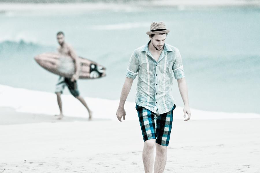 Camisa Penguin R$ 228 + bermuda Hurley R$ 200 + chapéu Head Cross preço sob consulta
