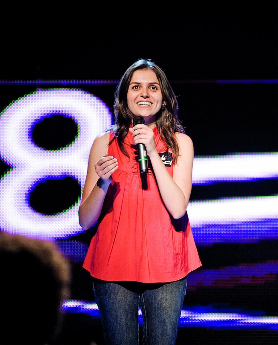 Monica no concurso para se tornar a nova CQC