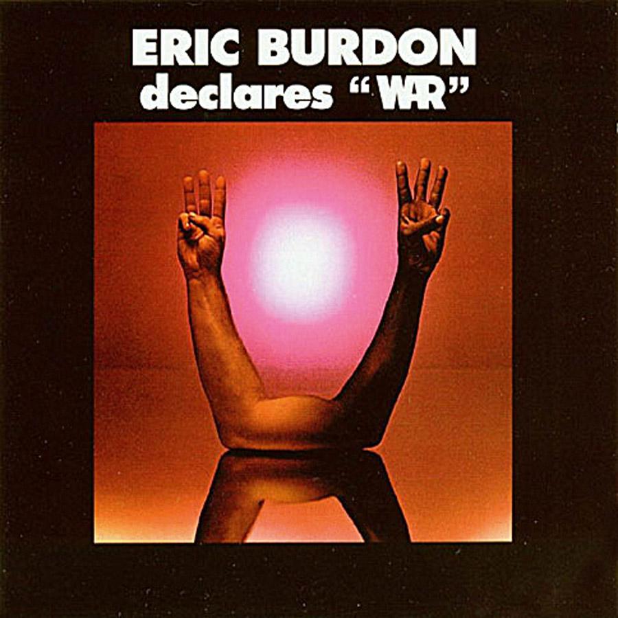 2 Em 1969, quando a palavra de ordem entre artistas era a paz, Eric Burdon (ex The Animals) monta uma banda multi-étnica e a chama de War (guerra)