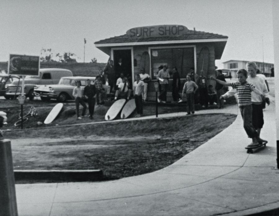A primeira surf shop, em San Francisco, e os filhos andando de skate