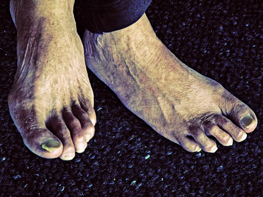 Os pés do fundador da O'neil