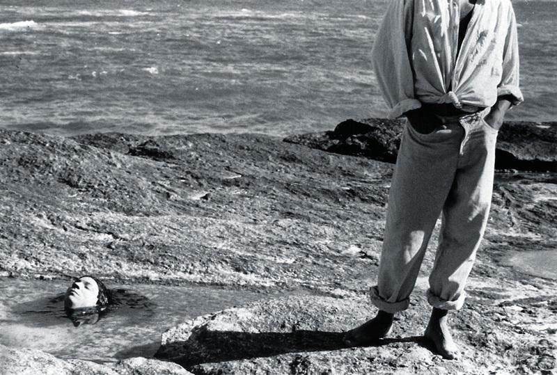 No ensaio Semeando Sereias, fotografado na Joatinga, Rio, em 1987