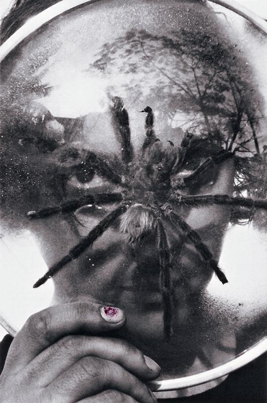 Tunga fotografado pelo cineasta Ivan Cardoso