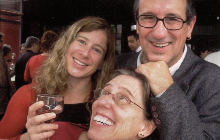 Os irmãos Marília, Lena e Laerte no aniversário de 80 anos da mãe