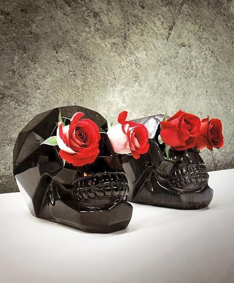VASO CAVEIRA: Dar um crânio para sua namorada pode ser romântico. R$ 560,00 na Dbox (11)2533-9999