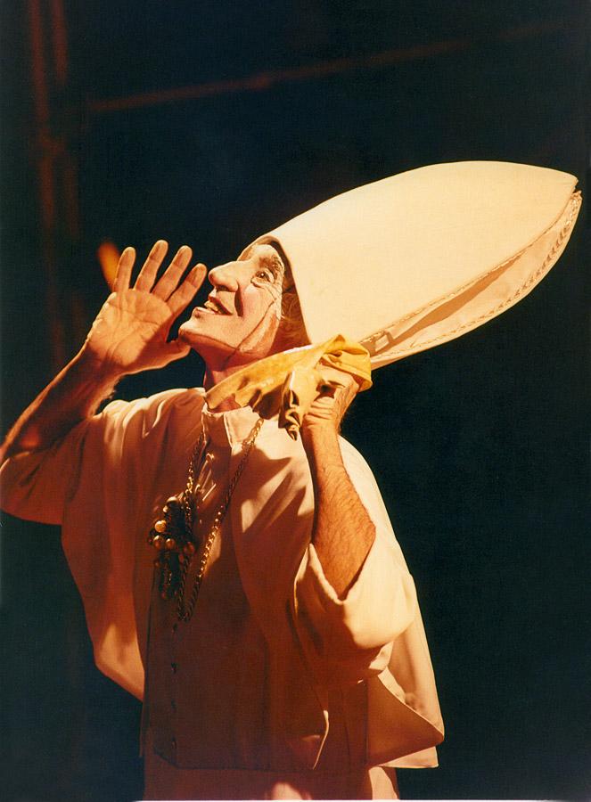 Como Papa  na montagem de Ela de Jean Genet, em 1996