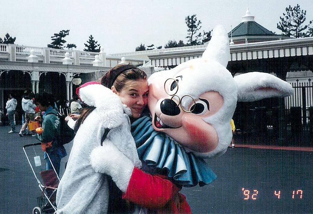 Na Disney com 15 anos (época em que era modelo e morava no Japão)
