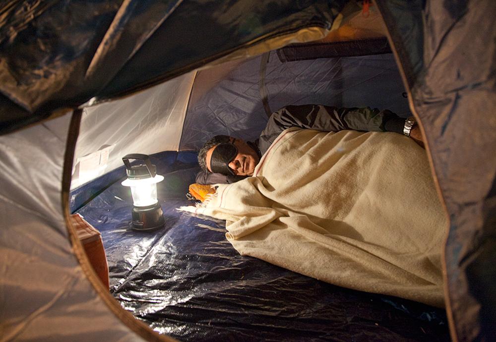 O resignado acampamento solo de nosso repórter com causa