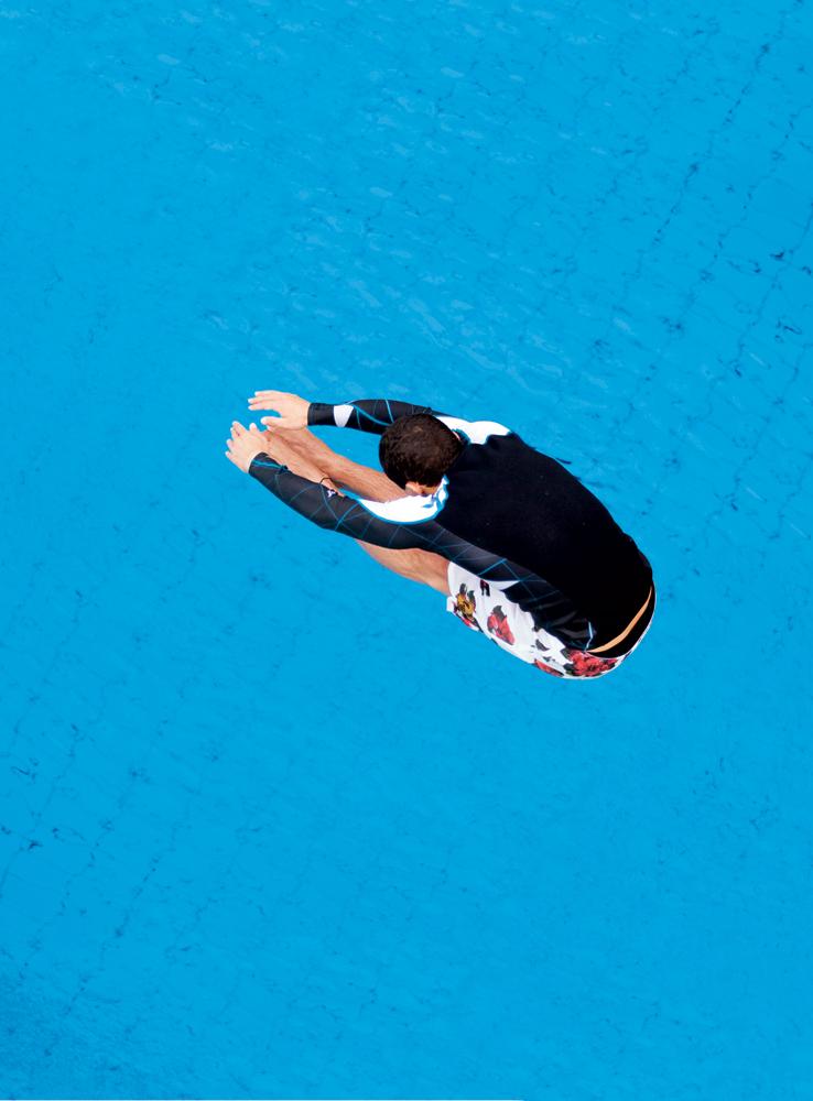 Jackson -  Neoprene Hurley R$ 490, Boardshorts Hang Ten R$ 193