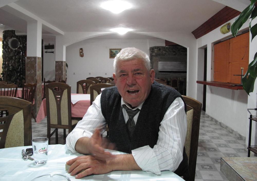 Abdulah, dono de pensão em Srebrenica