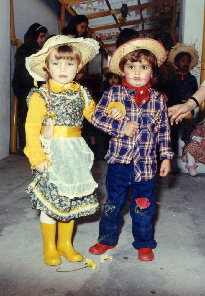 Maurício vestido de caipira  em festa junina