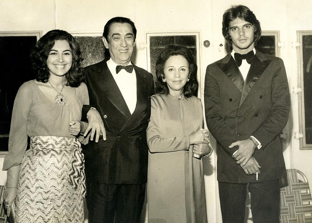 Pedrinho em um jantar com JK, Dona Sarah e Márcia