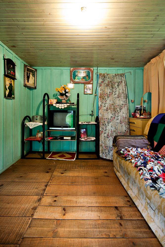 interior da casa de um agricultor