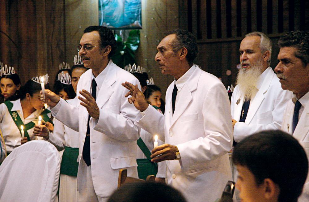 com os outros líderes da comunidade do Céu do Mapiá, os padrinhos Alfredo e Valdete