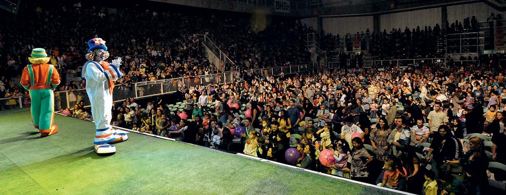 Show em Belo Horizonte, em 2010, quando a dupla ainda nem tinha o programa no SBT. Atualmente são 15 duplas para dar conta dos shows