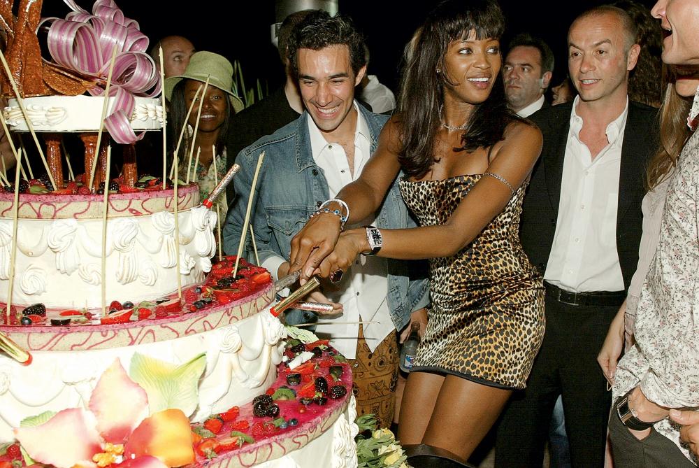 """Pedro Paulo ainda na """"outra vida"""", celebrando seu aniverário com a top model Naomi Campbell"""