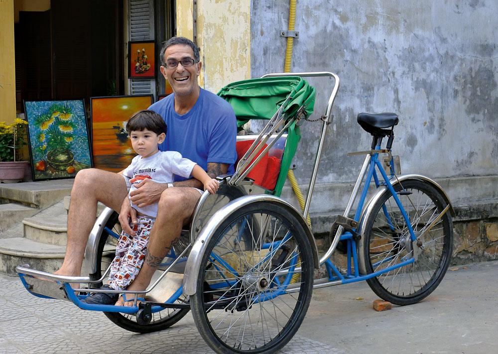 Com Pedro no trânsito vietnamita (2010)