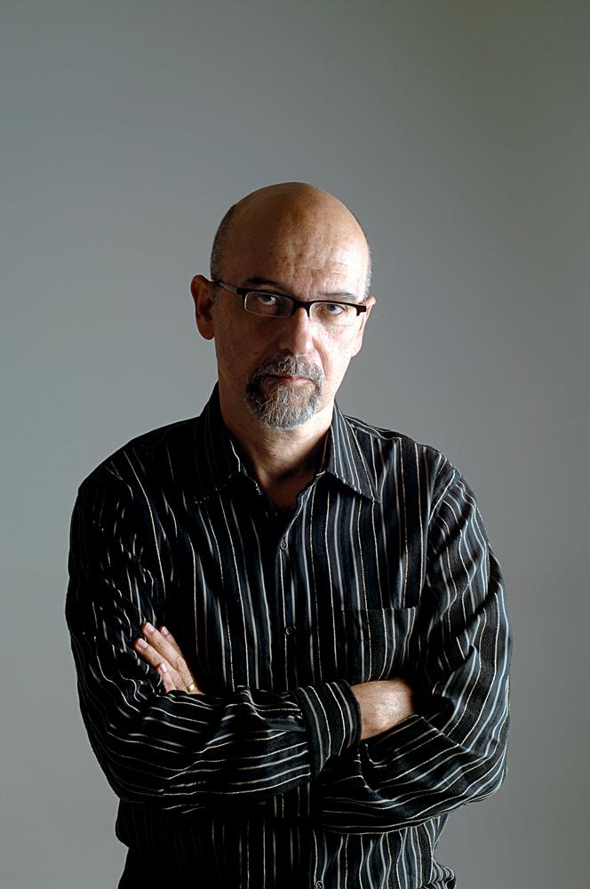 Luiz Eduardo Soares: O antropólogo é autor de A elite da tropa, que inspirou o filme Tropa de elite, e, antes disso, trabalhou como secretário nacional de segurança pública e coordenador de segurança, justiça e cidadania do estado do Rio de Janeiro