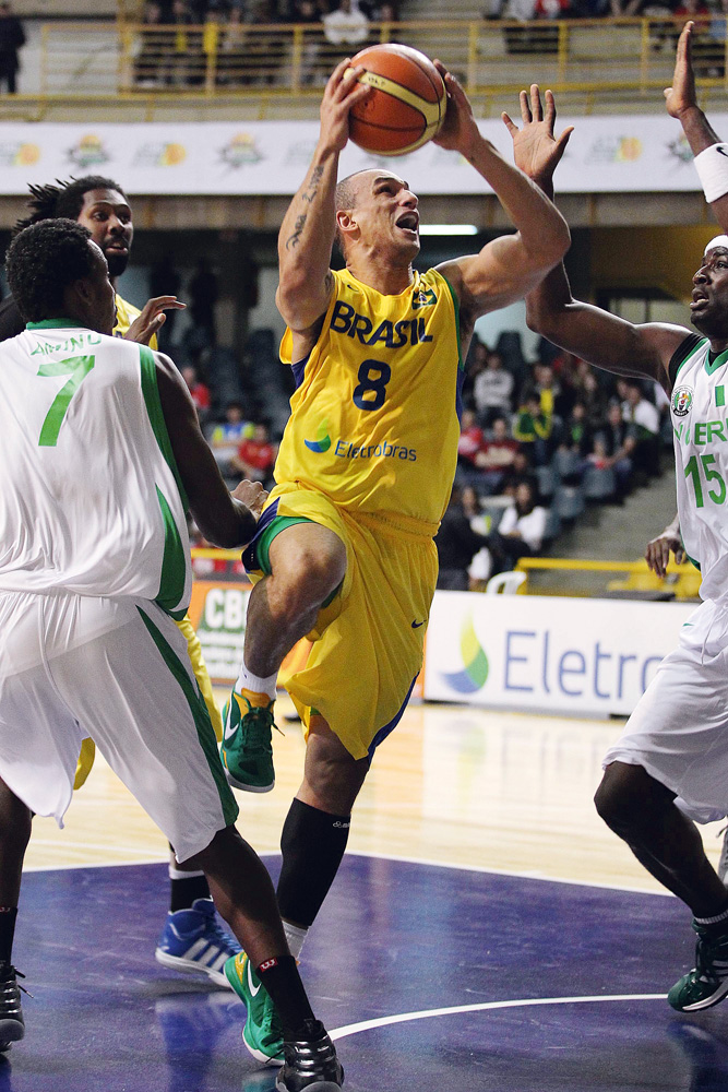 Alex - Jogador da seleção brasileira de basquete