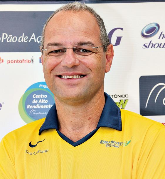 Ricardo D'Angelo: Treinador-chefe da Confedera–ção Brasileira de Atletismo - 'No NAR fizemos um teste dos membros inferiores. A partir da quantidade de repetições num exercício nós estabelecemos o nível de resistência de força do atleta. A ciência pode ajudar muito na melhora do desempenho'