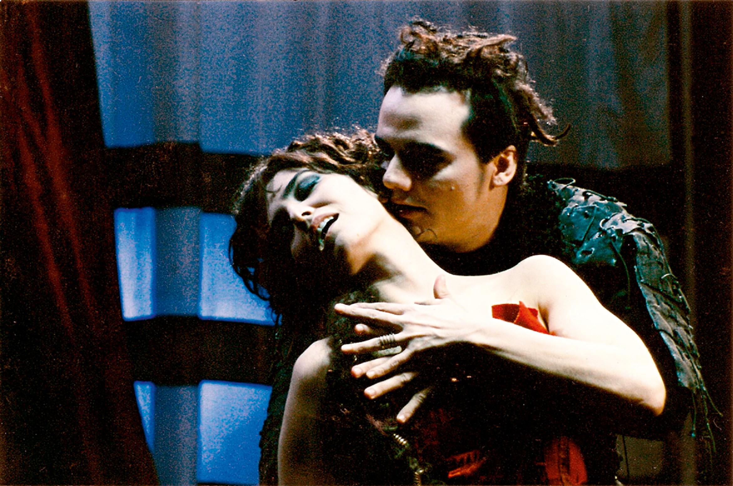 com Wagner Moura em cena do filme Romance, de Guel Arraes
