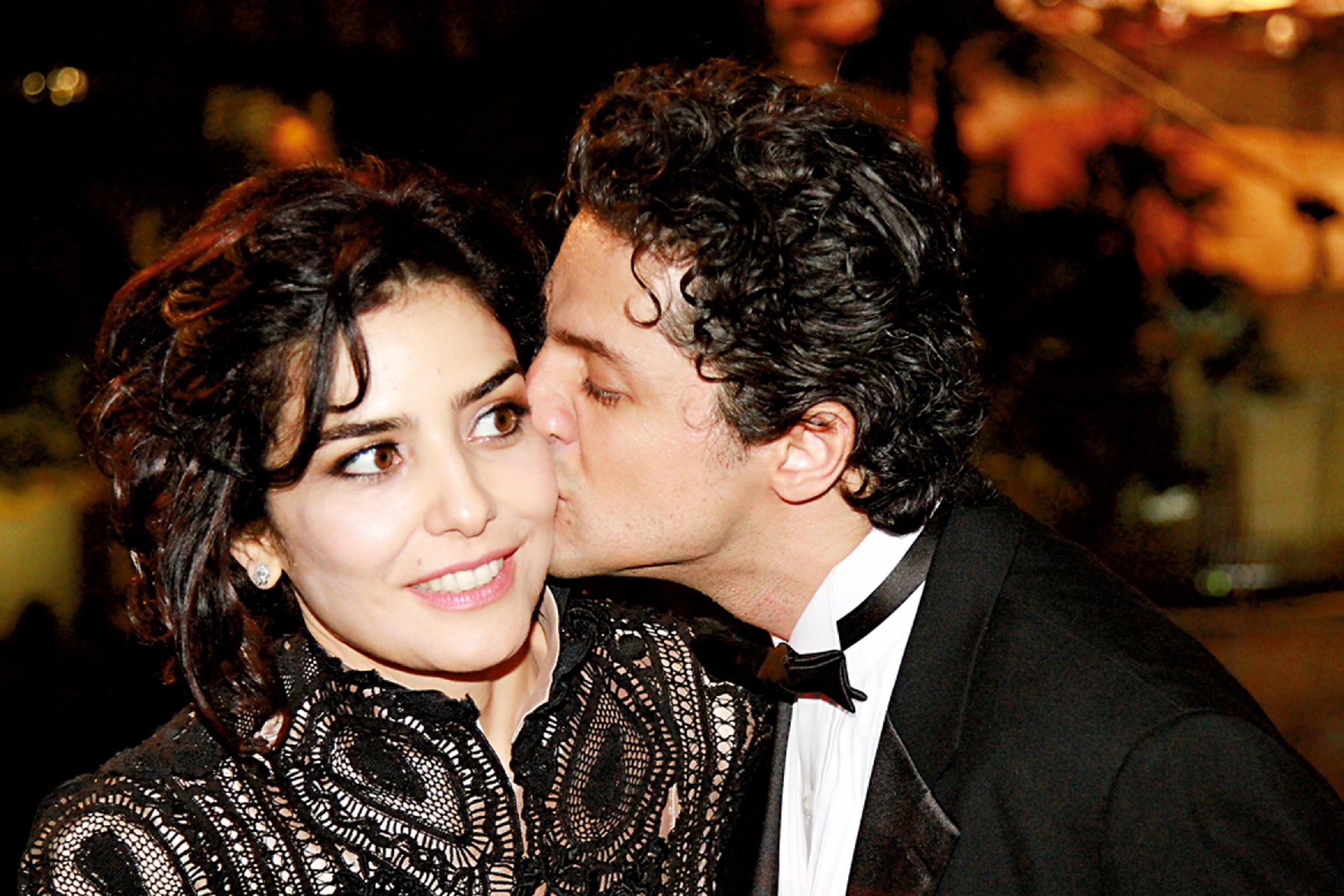 Com o namorado, Fernando Alves Pinto, durante a sessão de A música segundo Tom Jobim, em Cannes, em maio último