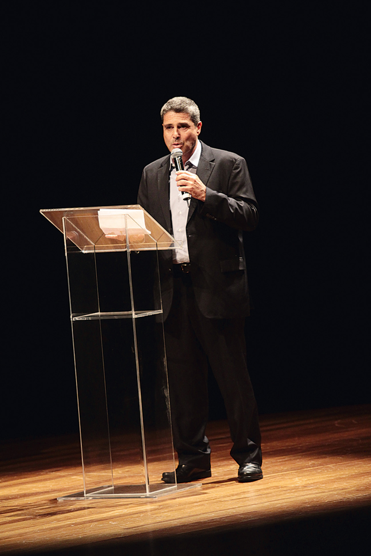 David Feffer, do grupo Suzano, fala à plateia