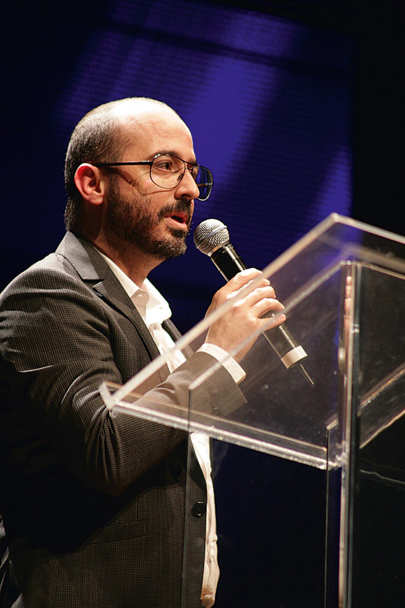 Eduardo Tracanella, do Itaú, discursa durante a premiação