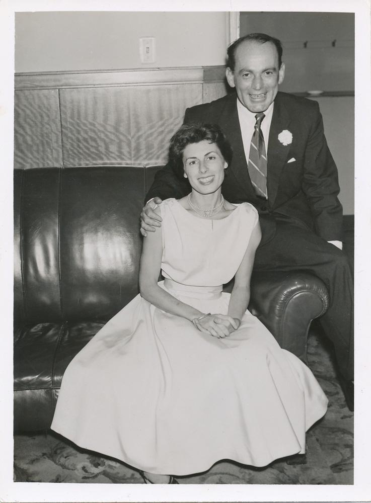 Os pais, Victor e Janet, na festa de casamento