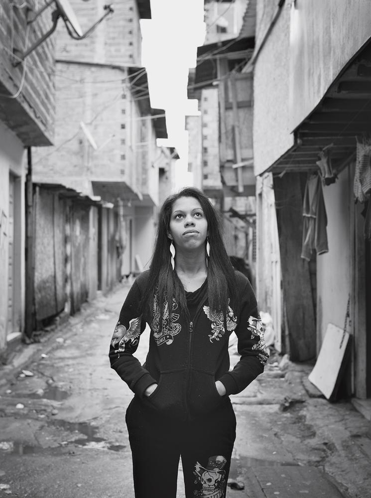 A filha Tamires nas vielas do Boqueirão