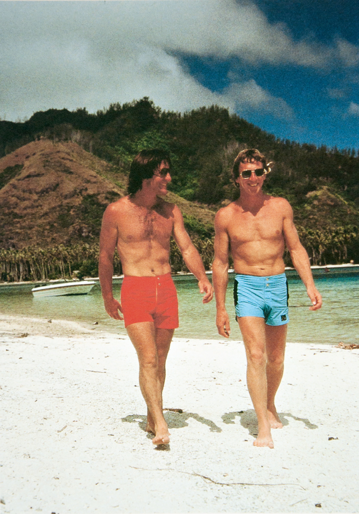 com Alan Green, fundador da Quiksilver, no Tahiti, em 1978